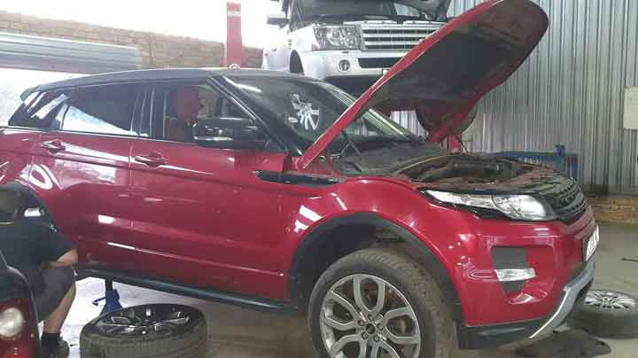 Rage Rover Evoque Front & Rear Brake Pads & Radiator replacement done